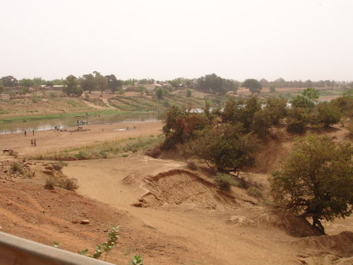 Approaching the Mali side of the river